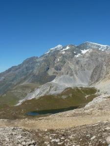 Vue du Col de la croix des Fretes vers le lac du Grattaleu