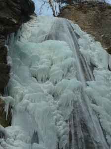 Cascade de la Doriaz glace