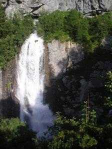 Cascade résurgence du ruisseau de l'Isertan