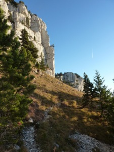 086 Mont Granier entre les barres rocheuses b